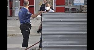 Tutuklanan zanlı polisin elinden kaçtı